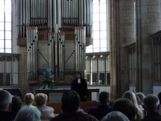 Pfarrerin Brandt im Willibrordi-Dom