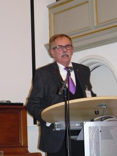 Superintendent Dieter Schütte trug seinen Bericht vor.