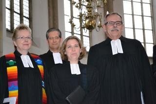 Auf dem Weg zum Gottesdienst (Pfarrerin Biebersdorf, Pfarrer Brödenfeld, Pfarrerin Brandt, Superintendent Schütte, v.l.n.r. (Foto: Volker Hoffmann)