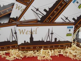 Die fair gehandeltete Wesel Schokolade in Nahansicht. (Foto: K. Bauer)