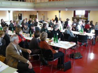Synodale bei der Beratung auf der letztjährigen Synode im Luthersaal
